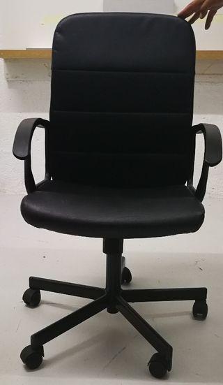 Silla oficina IKEA color negro