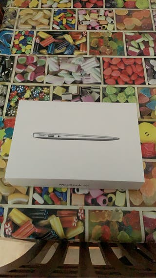 "MacBook Air 11'6"" i7"
