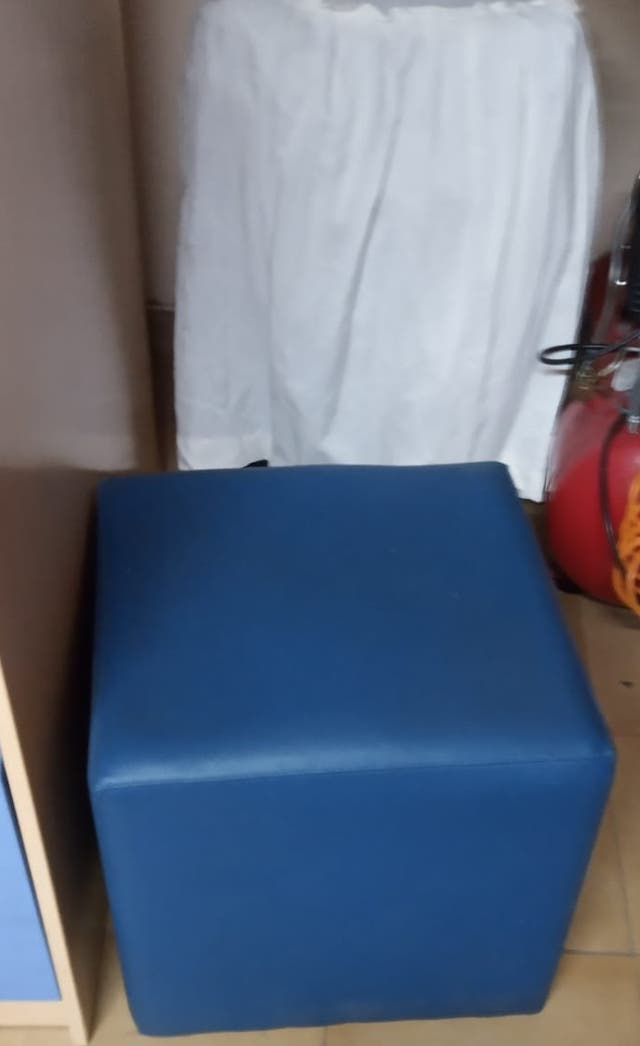 2 Puff cuadrado tapizado