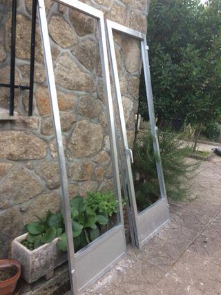 Puertas abatibles en aluminio