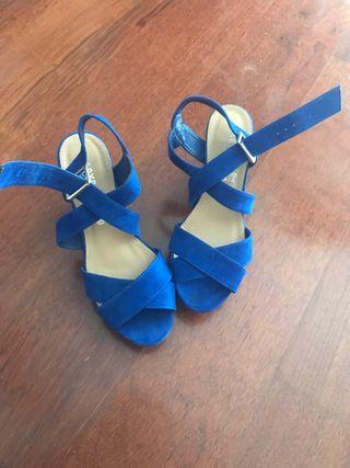 Zapatos de tacón de ante azules talla 38
