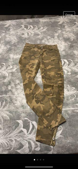 Pantalones de las marcas zara Bershka y pull