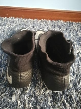 botas de fútbol nike hypervenom negras