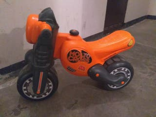 moto / correpasillos molto + casco