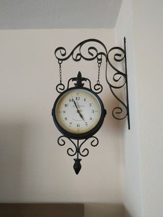 Reloj de pared. Nuevo