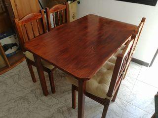 Juego comedor: mesa + 4 sillas