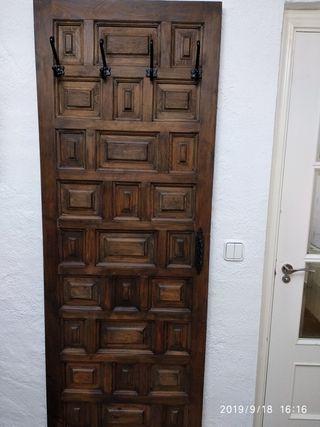 Puerta perchero