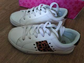 zapatillas deporte blancas