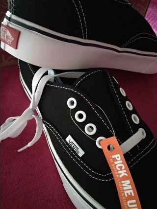 Zapatillas nuevas Vans