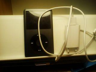 Ipod classic 160 gb, 7a generacion, cargador usb