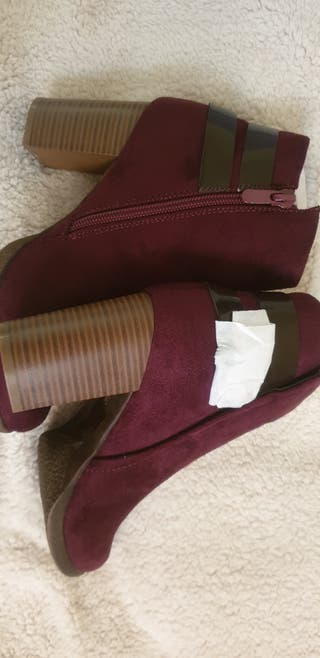 Wine colour Shoes