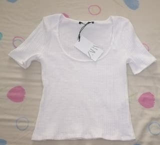 blusa nueva con etiqueta de Zara