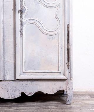 Armario Francés Antiguo Restaurado Sophie
