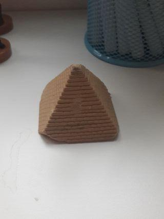 goma de Borrar con forma de piramide