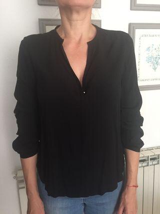 Blusa negra Zara talla S