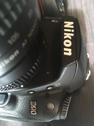 Cámara fotográfica NIKON D90