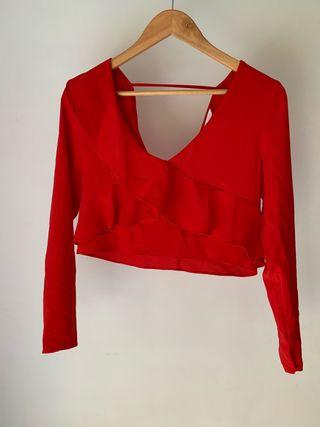 Blusa con volante rojo nuevo Zara