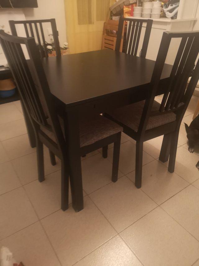 mesa comedor 4/8 + 4 silla