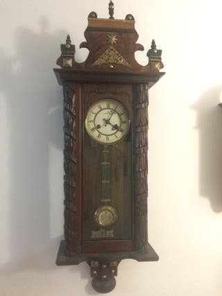 Antiguo reloj de pared Junghans