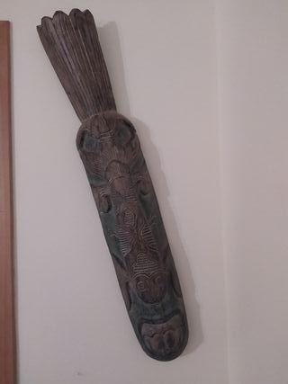 Máscara tribal decoración pared (1m)