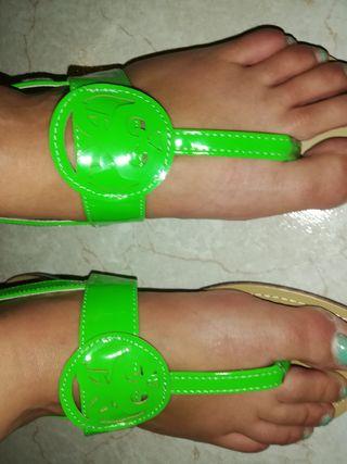 sandalias color verde