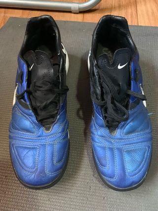 Botas de fútbol Nike N 42