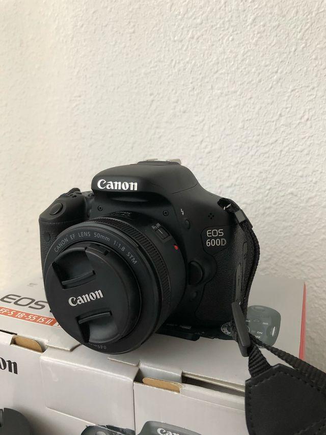 Cámara de fotos réflex Canon EOS 600D
