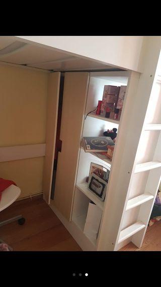 Cama juvenil blanca con armario
