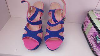 zapatos azul y rosa sin estrenar
