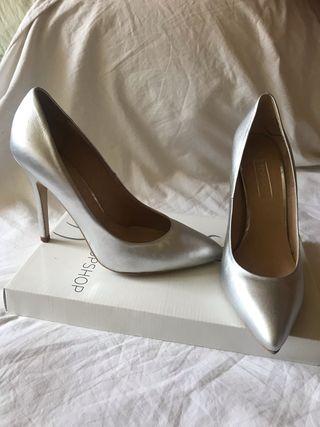 Zapatos de tacón plata