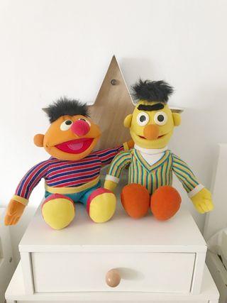 Muñecos Epi y Blas. Juguetes