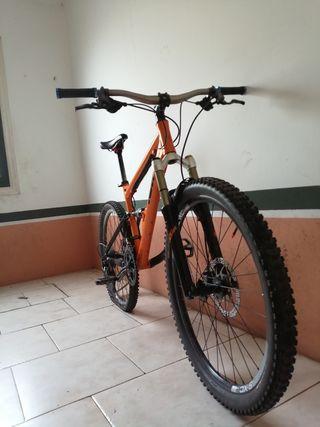 bicicleta de enduro KTM
