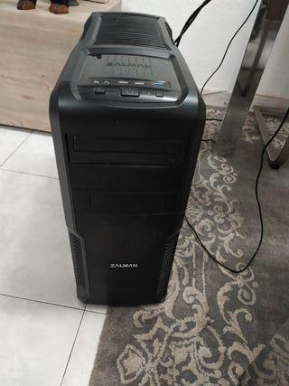 Vendo Torre de ordenador con monitor