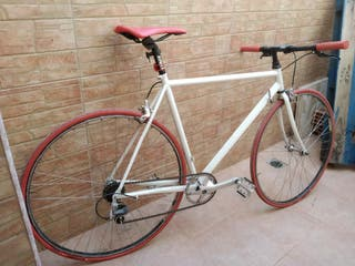 bici urbana estilo fixie .