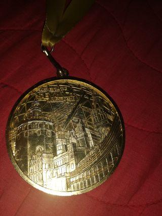medalla maratón Sevilla 30 aniversario