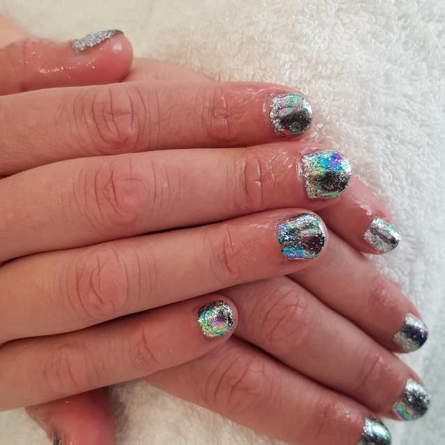 Gel nails, henna brows, lash lift & tints, fillers