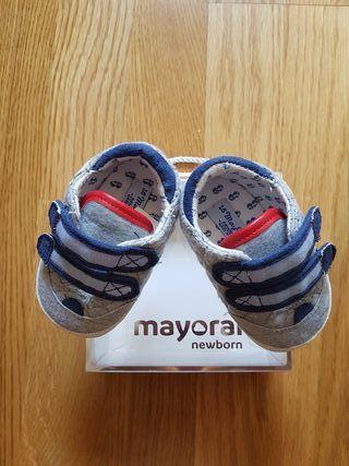 Zapatillas Mayoral bebe (T:16).