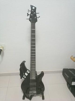 Bajo Yamaha TRBX 305