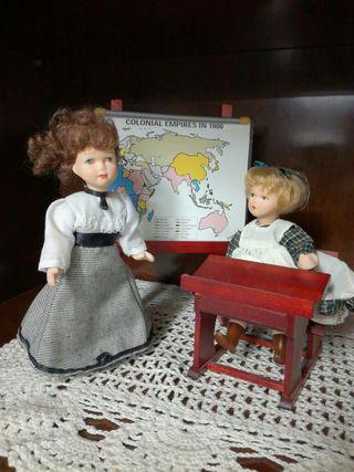 Conjuntos de muñecas de porcelana. Regalo libro