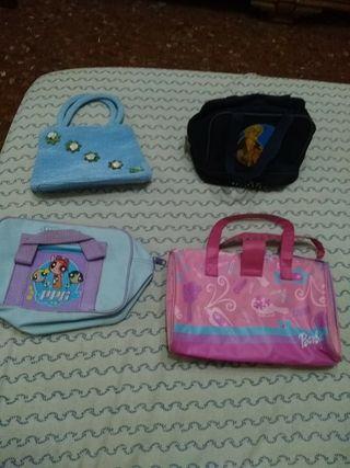 Bolsitos, neceseres, mochilitas de niño o niña