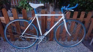 Bicicleta de carretera Fixie vintage