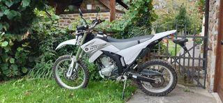 Yamaha wr250R dual muy poco uso