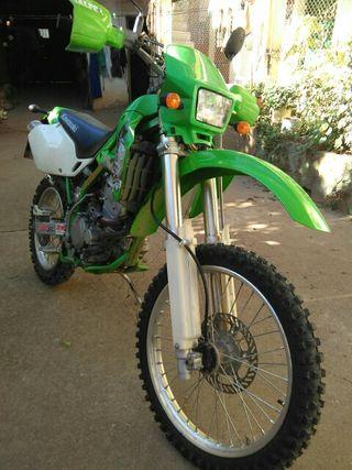 Moto Kawasaki KLX300