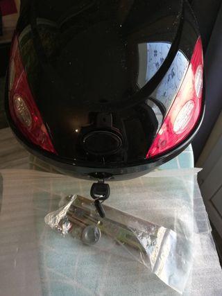 Top case baul maleta moto p/ casco MUY PEQUEÑO jet