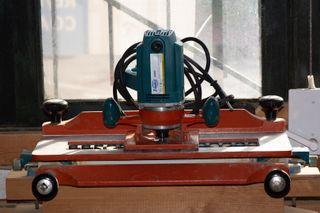 Fresadora y perfiladora de molduras Virutex AS 93