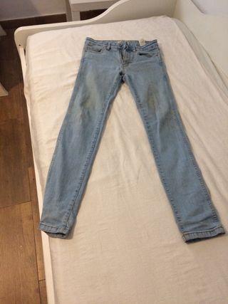 Pantalones Zara de segunda mano en Benalmádena en WALLAPOP