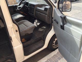 Volkswagen Transporter 2.4 diésel 8 plazas