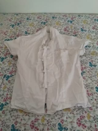 blusa de encaje de Capital M. Bun