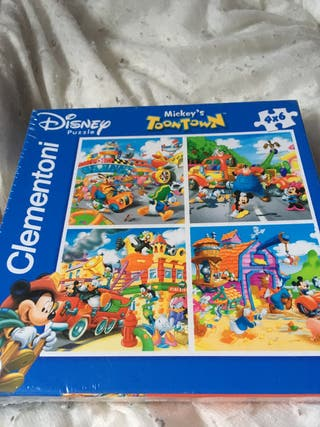 Disney Mickeys toon town puzzle