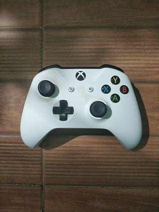 Mando Xbox One blanco